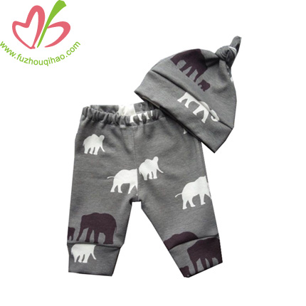 Printed Baby Leggings With Hats Set